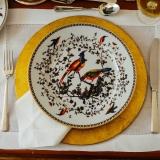 locação de sousplat em cobre para jantar temático preço Aricanduva