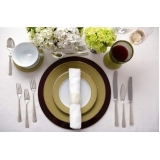 locação de sousplat para jantar de noivado