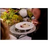 utensílios de mesa para jantar de noivado ABC